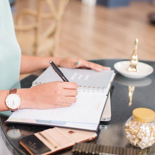 florida attorney taking notes on online trademark registration